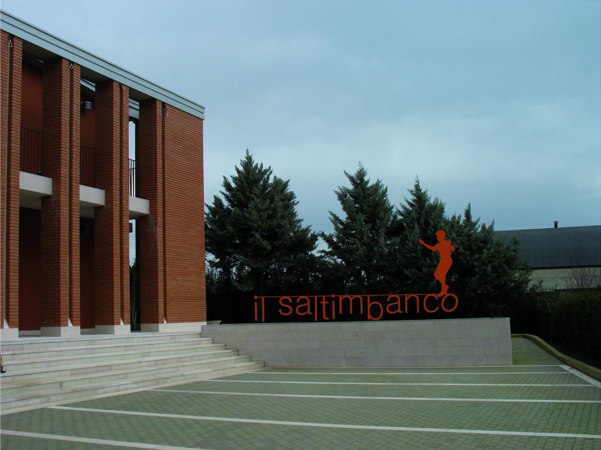 "Teatro ""Il Saltimbanco"""